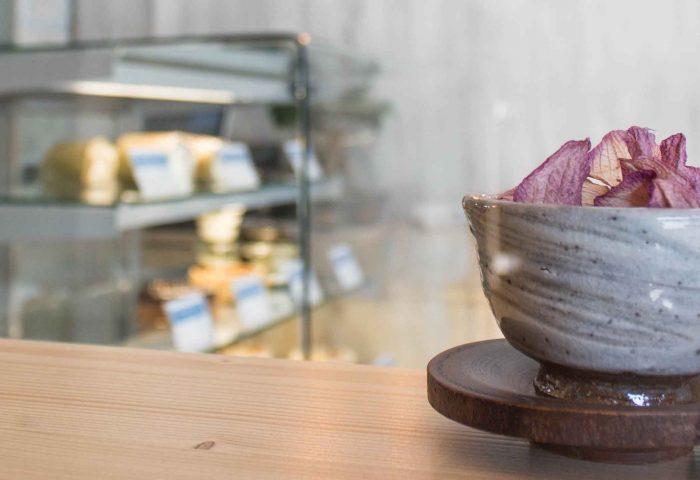 03 slider diseño, obra y reforma de local comercial en granollers. obrador dedicado a la pastelería y dulces japoneses.