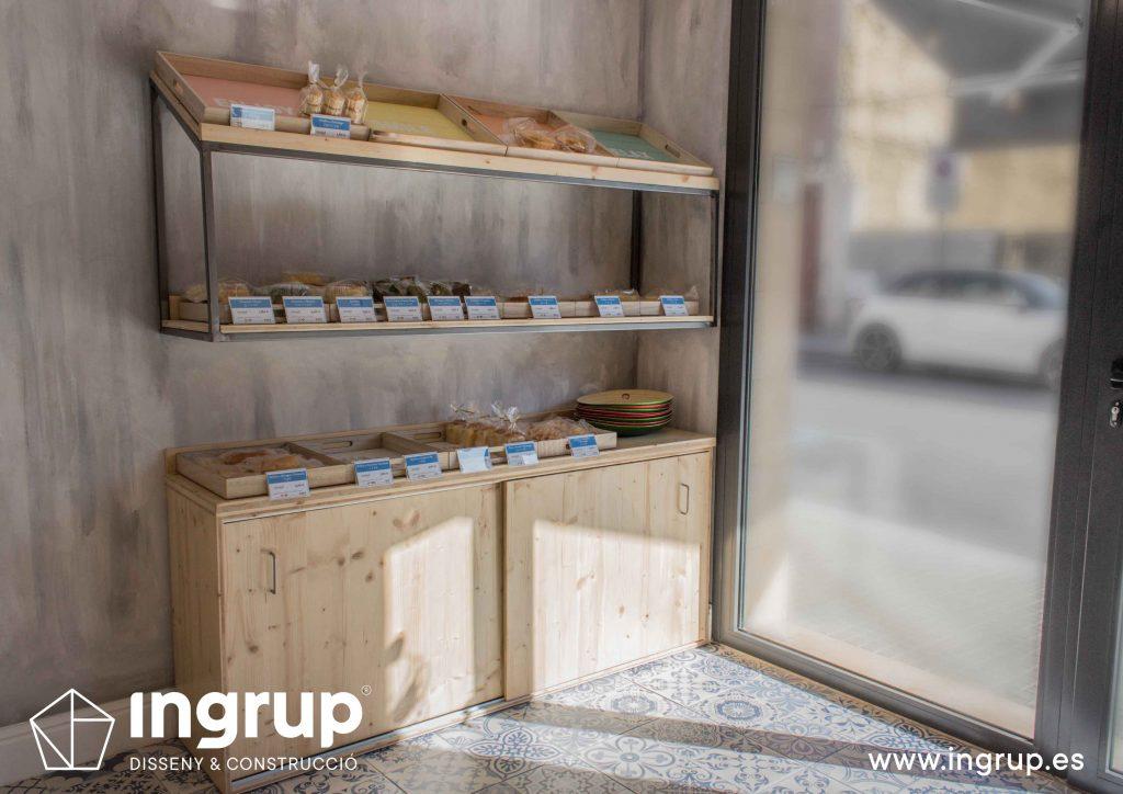 04 fabricacion mobiliario a medida madera estanteria mykoco diseño interiorismo obra reforma local comercial obrador japones dulces ingrup estudio diseno construccion retail granollers barcelona
