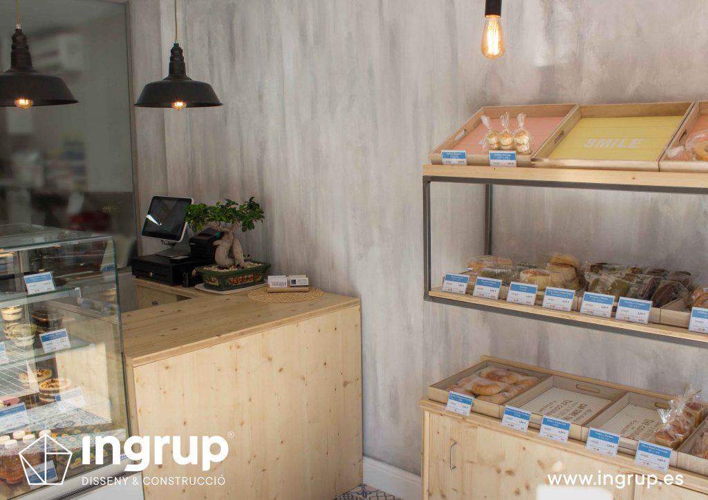 05 interiorismo tienda mostrador mobiliario a medida mykoco diseño interiorismo obra reforma local comercial obrador japones dulces ingrup estudio diseno construccion retail granollers barcelona