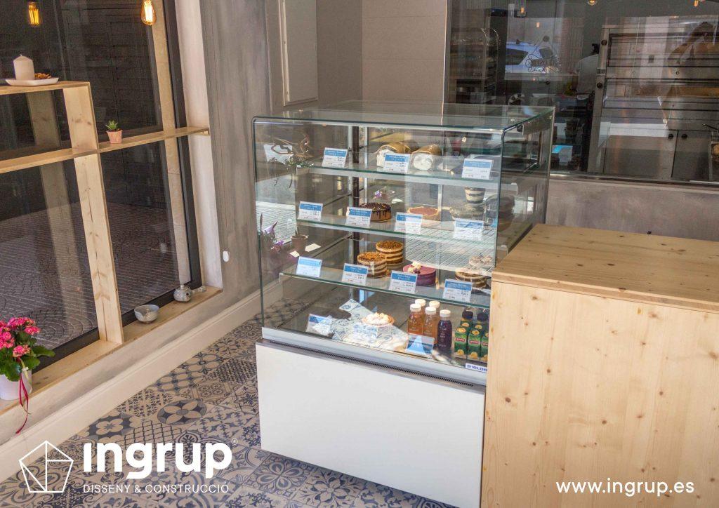 10 mostrador frigorifico industrial mykoco diseño interiorismo obra reforma local comercial obrador japones dulces ingrup estudio diseno construccion retail granollers barcelona